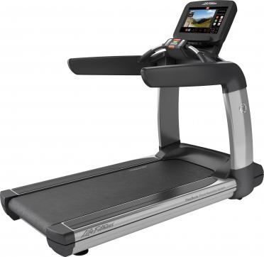 LifeFitness treadmill Platinum Club Series Discover SE3
